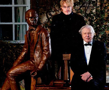 Sir David Attenborough with sculptor Anthony Smith and the Young Charles Darwin statue